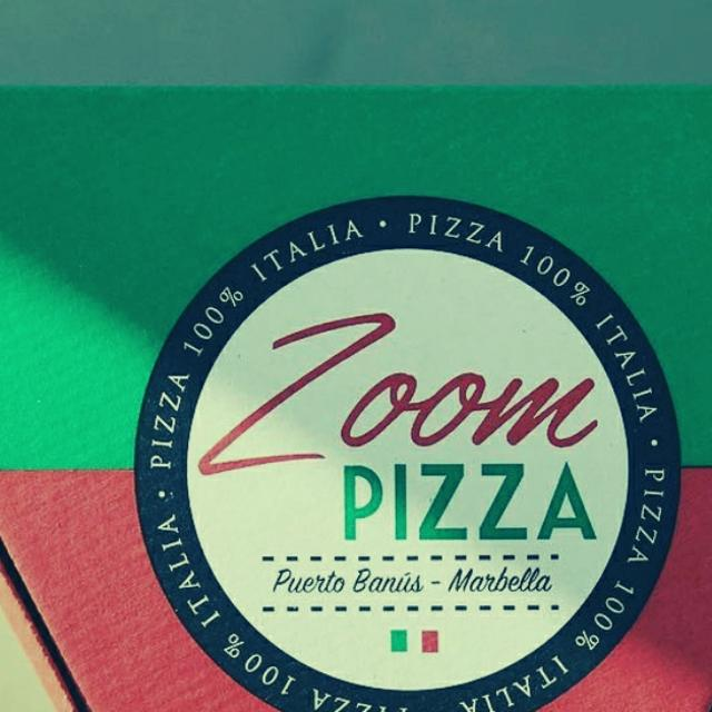 Repartidor de pizza leer la oferta