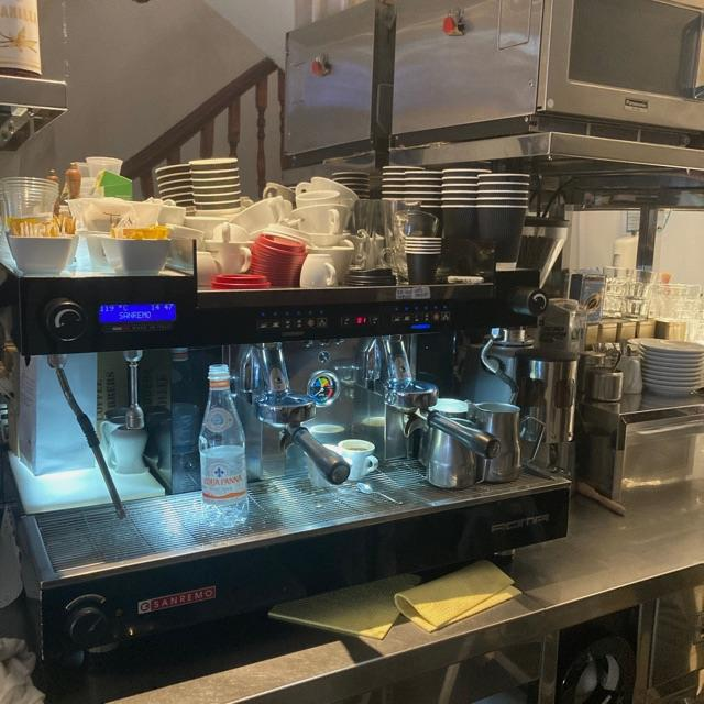 Barista and counter hand