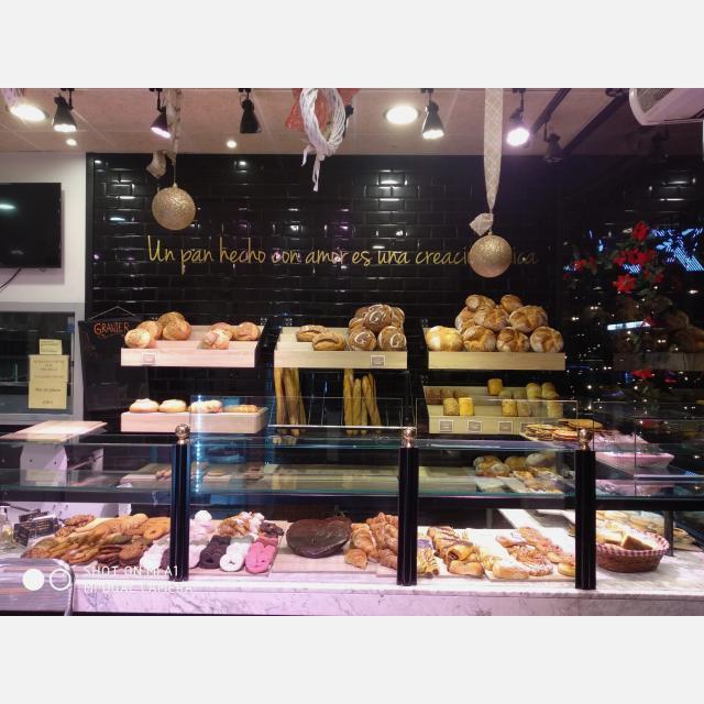 Camarero/a y Dependiente/a cafetería panadería