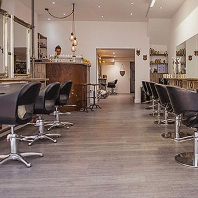 Receptionist wanted for a hairsalon