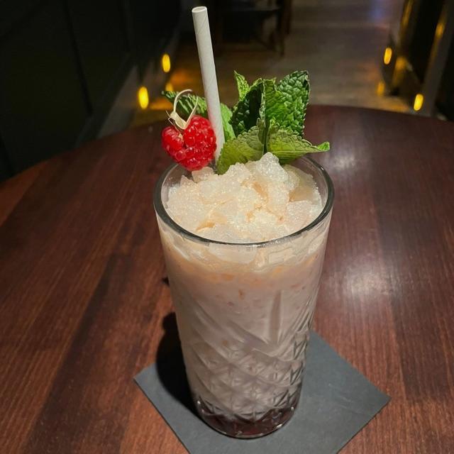 Waiters/ Hosts - Cocktail Bar & Kitchen