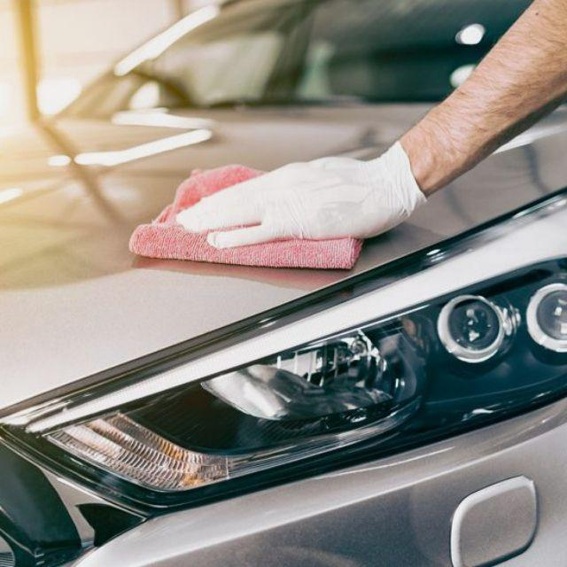 Auxiliar de limpieza de vehículos