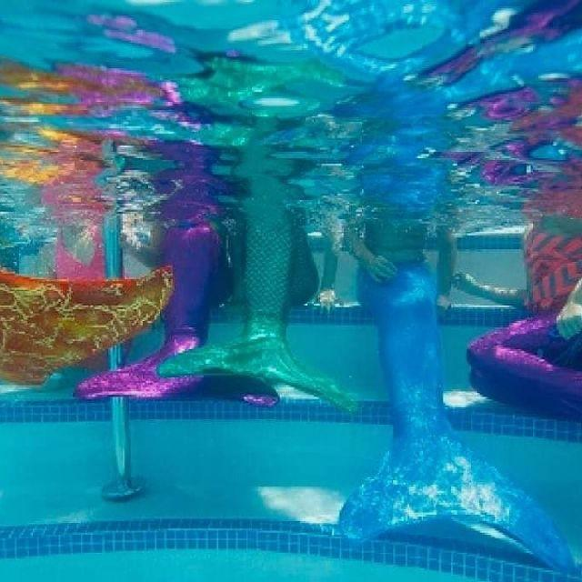 Monitor@ de Natación con cola de Sirena