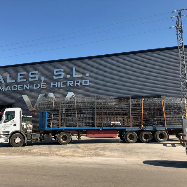 Trabajador de almacén y conductor de camión eventual