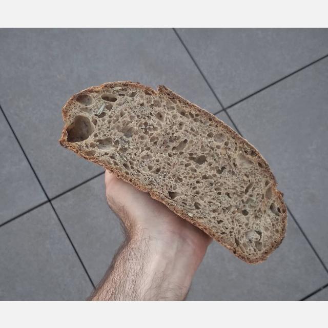 Dependiente/a de panaderia con obrador.