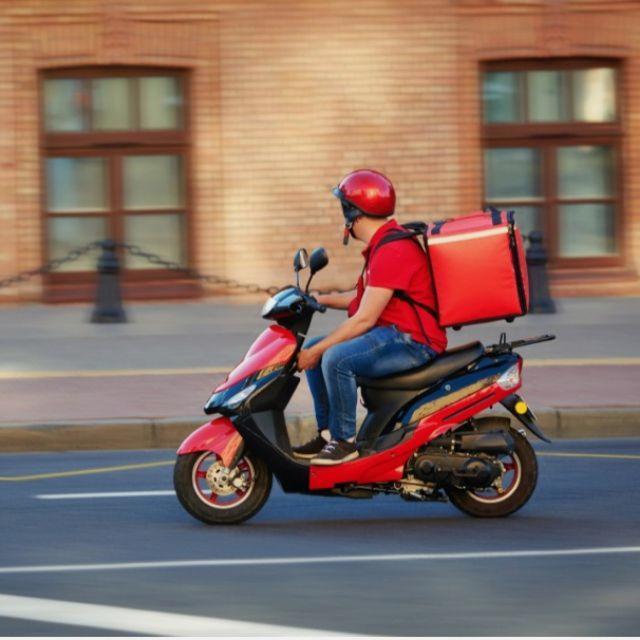Repartidor/a en Moto y coche
