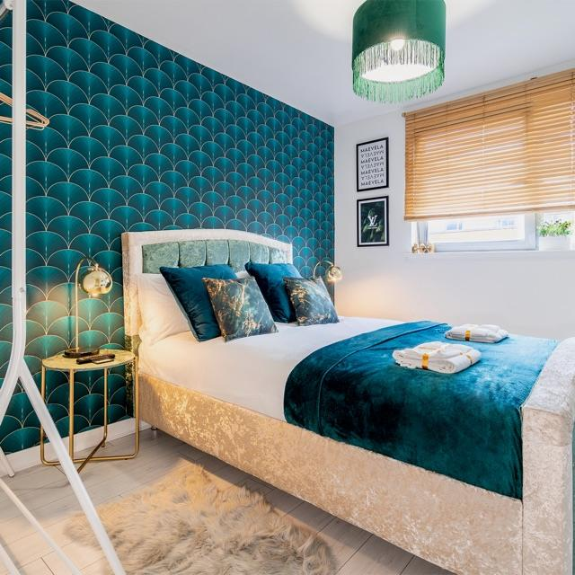 Housekeeper/Cleaner for Luxury Apartment