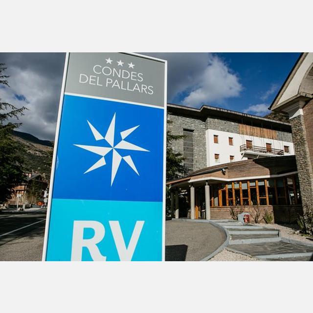 Recepcionista Hotel Condes del Pallars, Rosa dels Vents