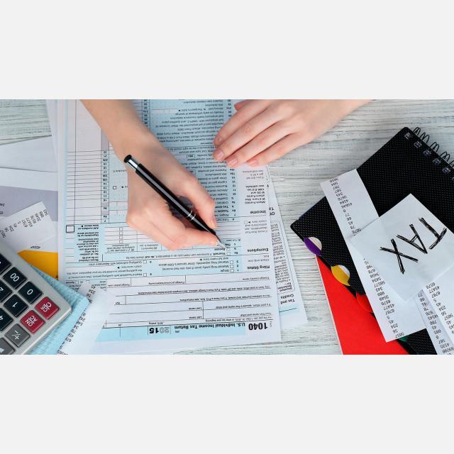 Profesor/a de Finanzas y Contabilidad