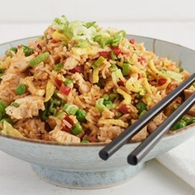 Ayudante/a de Cocina con conoc wok latino