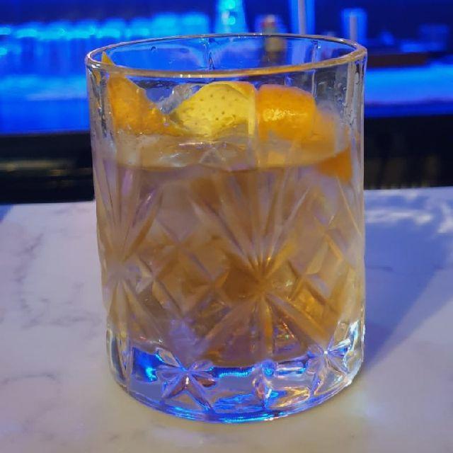 Cocktail bar staff