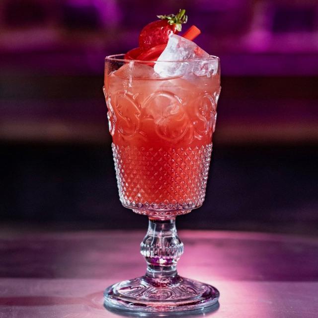 Cocktail Waiter / Waitress