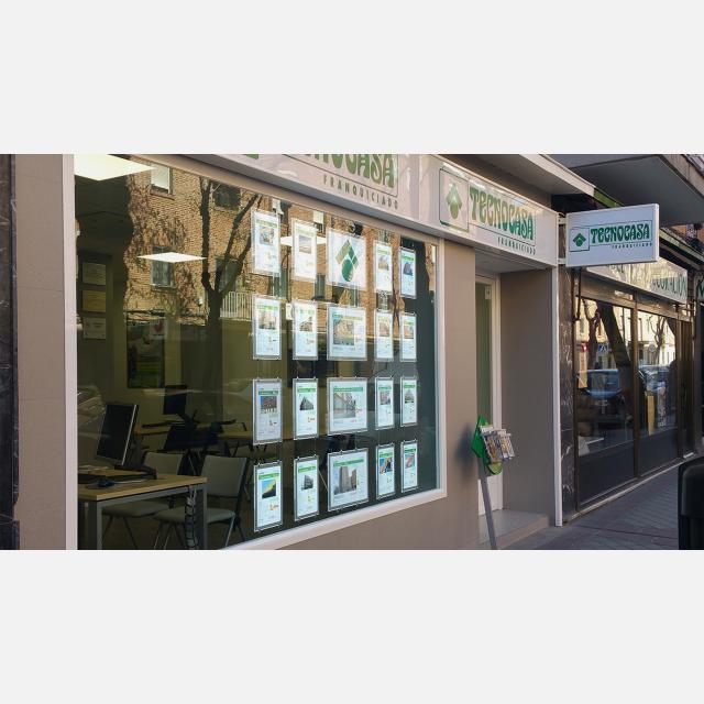 SUELDO FIJO (1092€ NETOS) + COMISIONES + CONTRATO INDEFINIDO