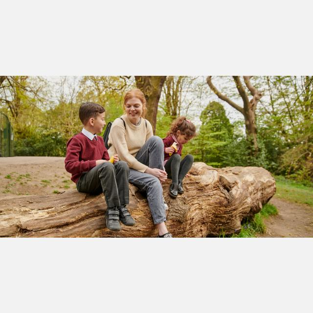 Part time student child carers needed in Bristol