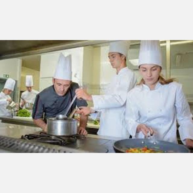 Cociner@ y Ayudante de Cocina para Grupo de Restaurantes en Madrid