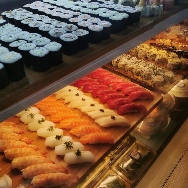 Ayudante Cocinero/a de Sushi