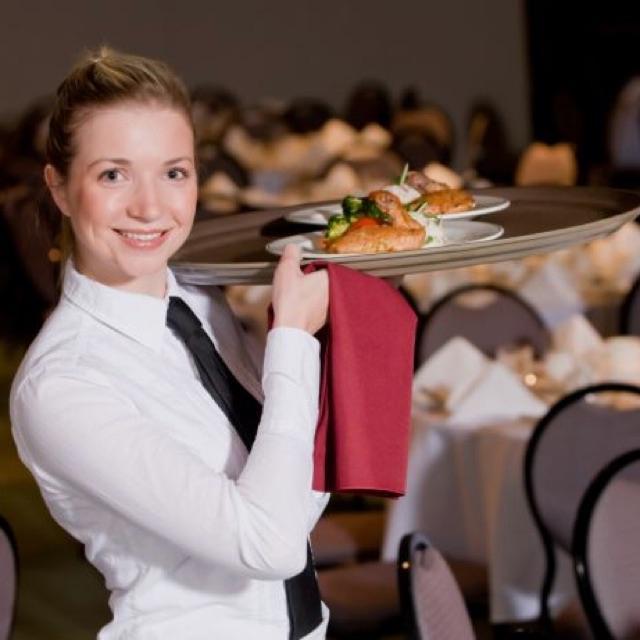 5* Dining Waitress/Waiter