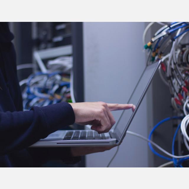 Tecnico Informatico y Telecomunicaciones