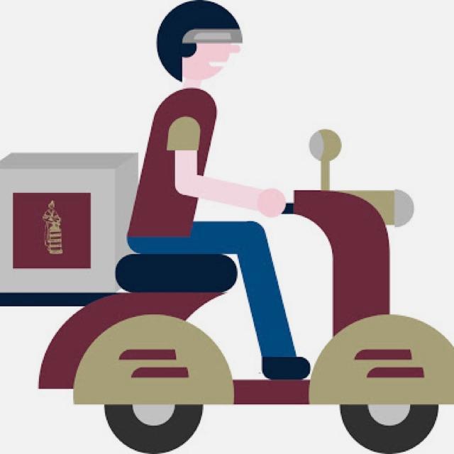 Repartidor con moto propia