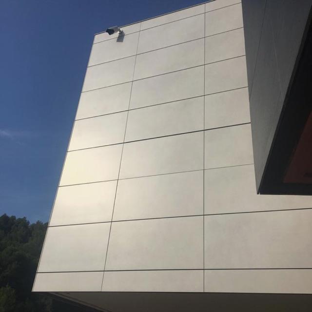Montador de fachada ventilada