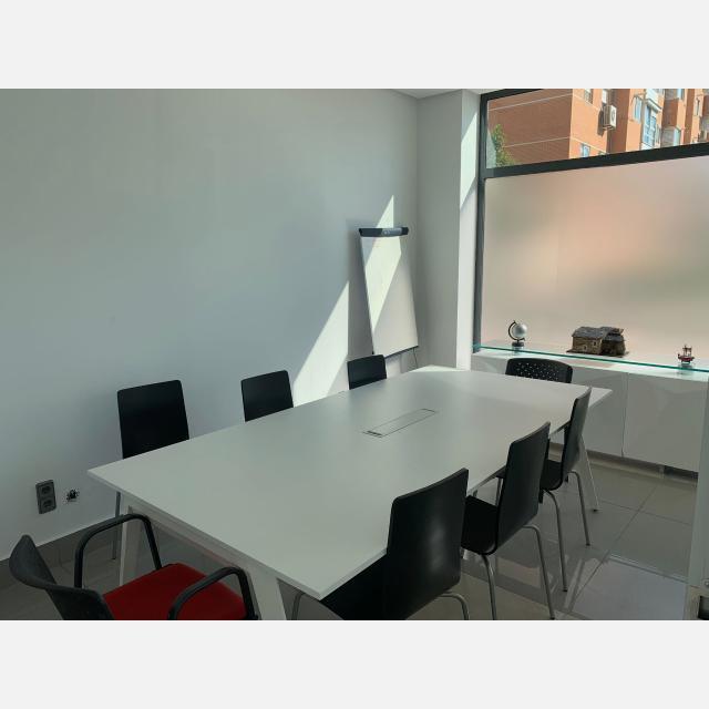 Agente inmobiliario en REMAX Gabinete