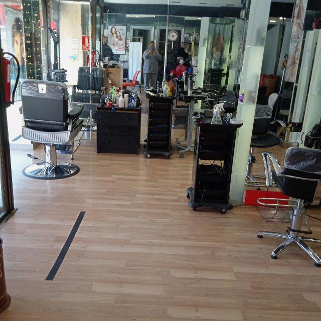 Oficial de peluquería unisex
