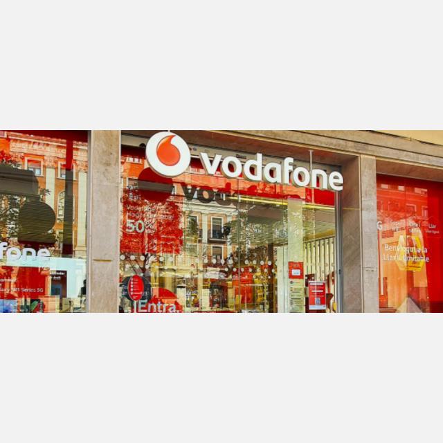 Comercial Tienda Vodafone C.C. Màgic