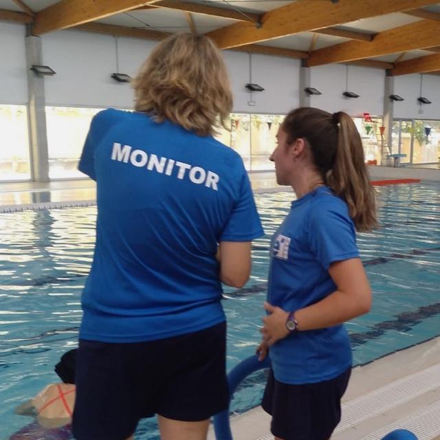 Monitor de natación