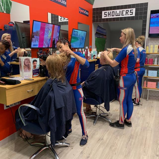 Oficial/a de peluquería