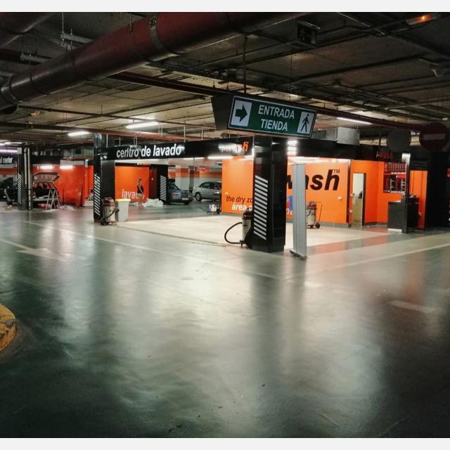 Operario de limpieza y reacondicionado de vehículos