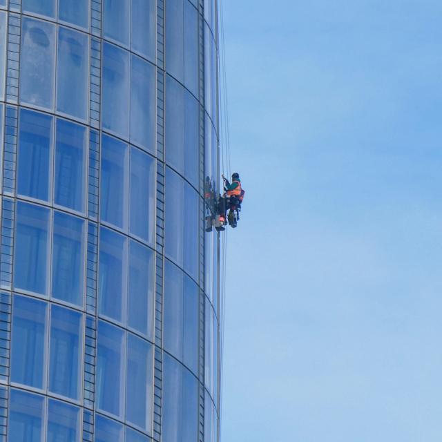 Operario de trabajos verticales en la Construccion
