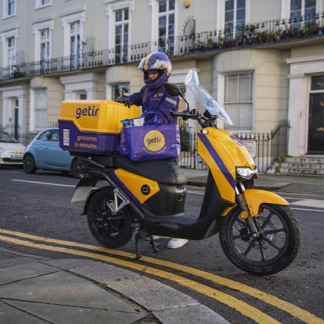 E-Motorcycle courier (Barnes)