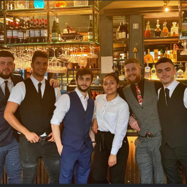 Bar / Waiting Staff