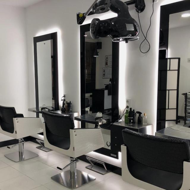 Oficial de peluquería / ayudante peluquería