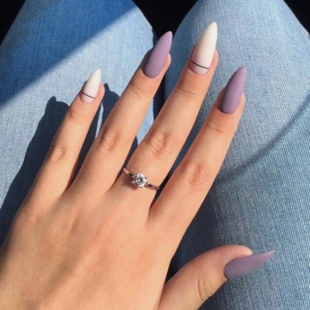 Técnico/a Especialista en Estética de uñas y depilación de cejas