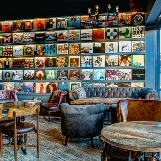 Experienced Waiter / Waitress / Barista in Harlesden / Kensal Green