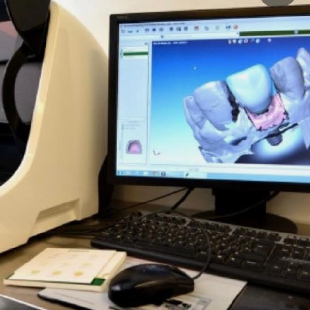 Protesico dental con experiencia en cad cam (exocad)